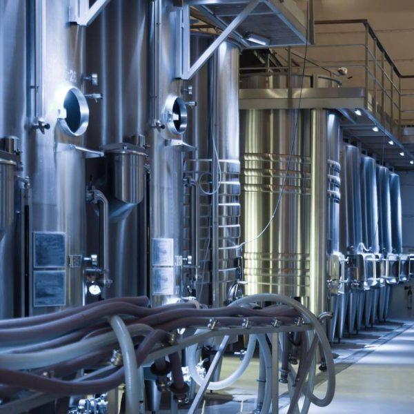 Equipos de control de temperatura dentro de una fábrica