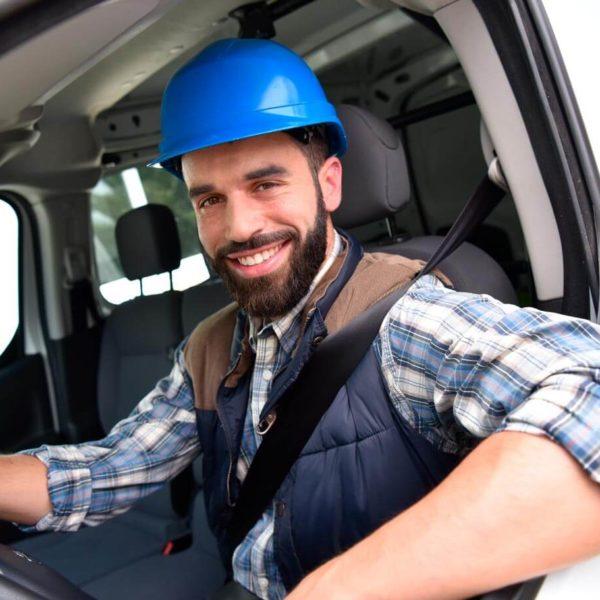 Ingeniero de mantenimiento experto en equipos de control de temperatura y humedad